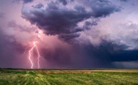 Народний синоптик прогнозує у серпні бурі і надзвичайну спеку