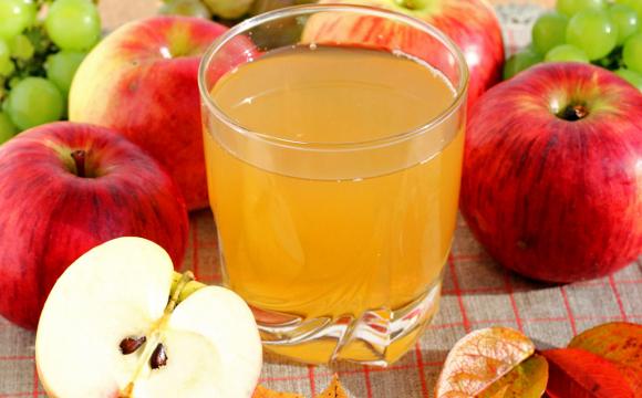 Домашній яблучний сік: секрет консервації