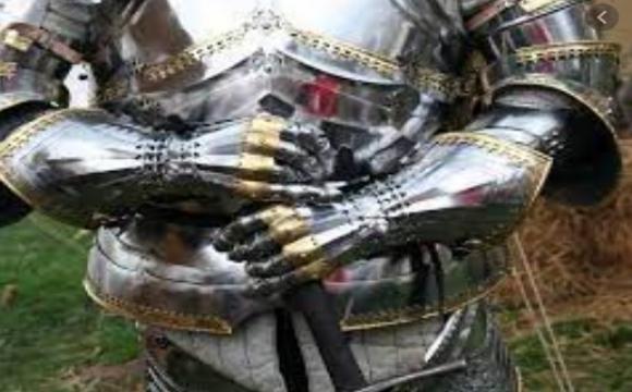 Луцька міська рада закупить лицарські обладунки