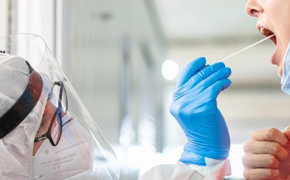 Україні вакцину від коронавірусу надасть США?