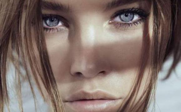 Вчені визначили, люди з яким кольором очей схильні до алкоголізму