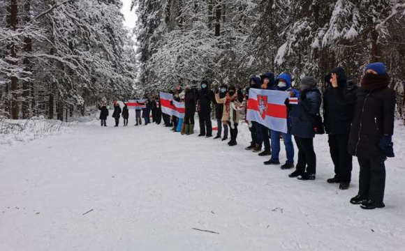 У Білорусі поновилися протести, силовики затримали близько 100 громадян