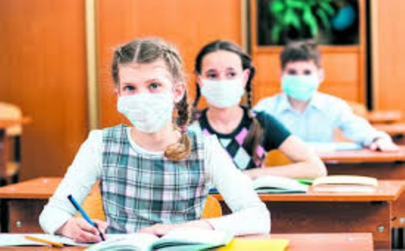 Луцькі школярі 12-13 лютого будуть навчатися за змішаною формою навчання
