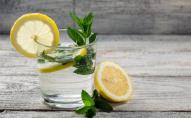Що їсти і пити, аби добре почуватися в спеку