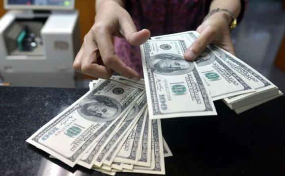 Курс долара за ніч серйозно стрибнув угору