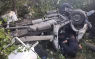 На Волині автомобіль злетів з дороги: є потерпілі. ФОТО