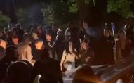 Цієї ночі на Волині молодь влаштувала дебош: справою зайнялась поліція. ВІДЕО