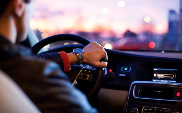 Водіїв контролюватимуть через смартфон: новий проект МВС