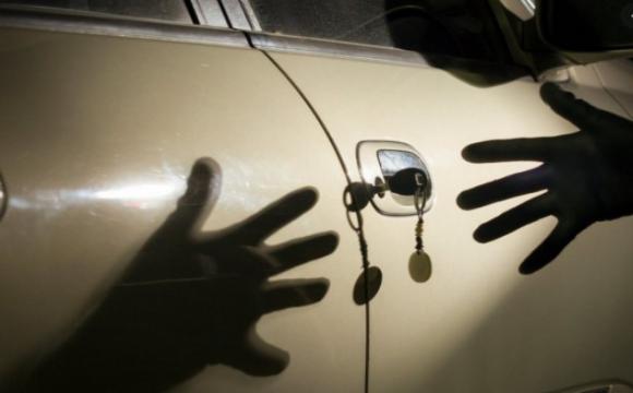 Легковик взяла дружина: на Волині чоловік заявив про викрадення авто