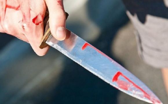 На Волині п'яний чоловік з ножем напав на поліцейського