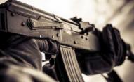 Обстріляли автомобіль помічника Володимира Зеленського, є поранені