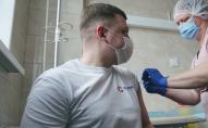 Голова фракції Громадянського Руху «СВІДОМІ» Тарас Шкітер вакцинувався від коронавірусу. ВІДЕО