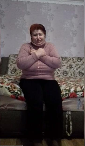 Жінка, яка заразила коронавірусом декілька сіл на Буковині, благає не вбивати її онуків. ФОТО