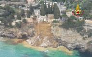 По воді пливуть труни: кладовище в Італії, через зсув ґрунту, зійшло в море. ВІДЕО