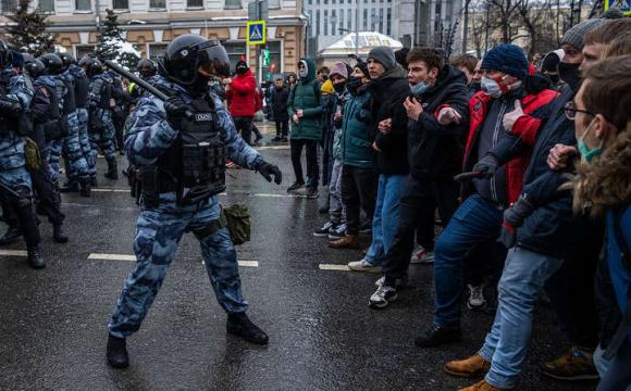 РФ пообіцяли «юридичні висновки» після жорсткого придушення протестів