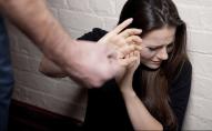 Після двох місяців шлюбу: чоловік з балончиком пограбував власну дружину