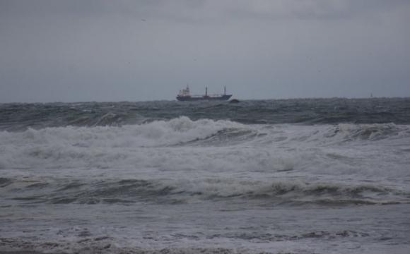 У Туреччині триває операція порятунку моряків із затонулого судна, у лікарні 5 українців