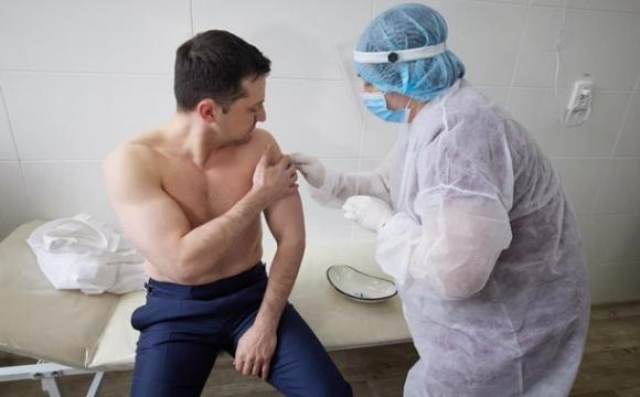 Зеленський на Донбасі вакцинувався від коронавірусу