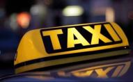 Зробила зауваження: таксист вдарив жінку та викинув з авто. ВІДЕО
