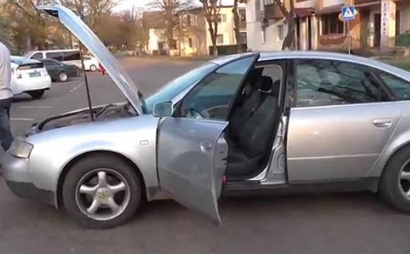 Авто-двійники: у Луцьку виявили дві абсолютно однакові Ауді. ФОТО
