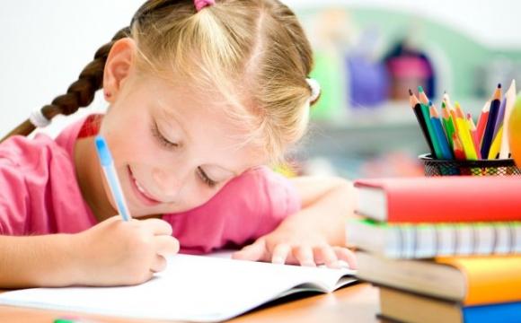 Які зошити лікарі категорично не радять купувати дитині до школи?