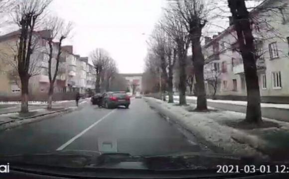 На вулиці Генерала Шухевича сталась ДТП. ВІДЕО