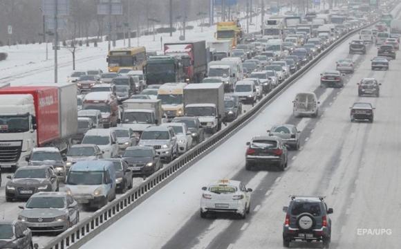 В Україні зріс попит на старі легкові авто