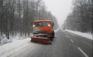 Сьогодні вночі спецтехніка чистила дороги Волині від снігу