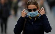 Скільки часу ще доведеться носити маски: невтішні прогнози медиків