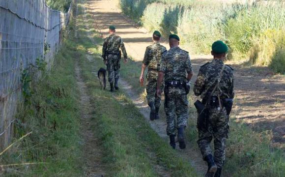 На українських прикордонників напали на кордоні з Росією: що відомо