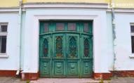 Відновлювати луцькі двері будуть відомі українські реставратори. ВІДЕО