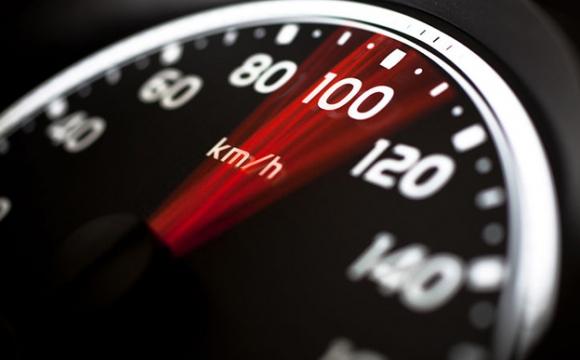 Двоє водіїв на Волині «летіли» більш як 120 км/год у населеному пункті