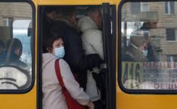У столичній маршрутці побилися пасажири через маски