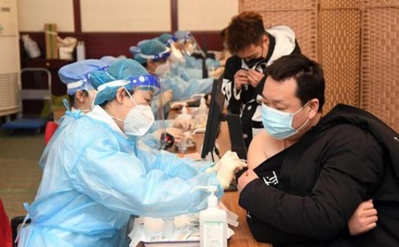 Замість COVID-вакцини продавали фізрозчин