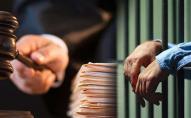 Письменнику загрожує 3 роки тюрми за те, що у Facebook назвав президента «дебілом»