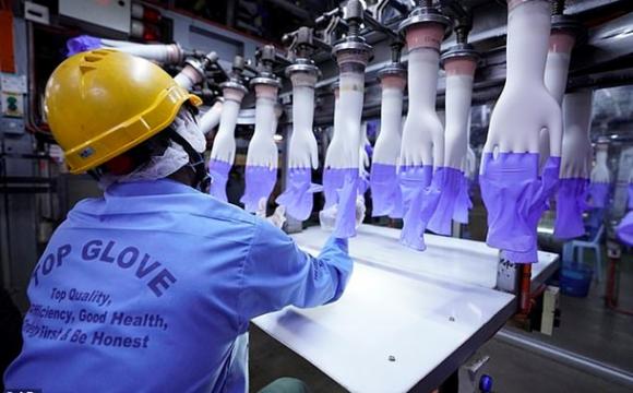 Найбільший виробник медичних рукавичок закрив половину заводів