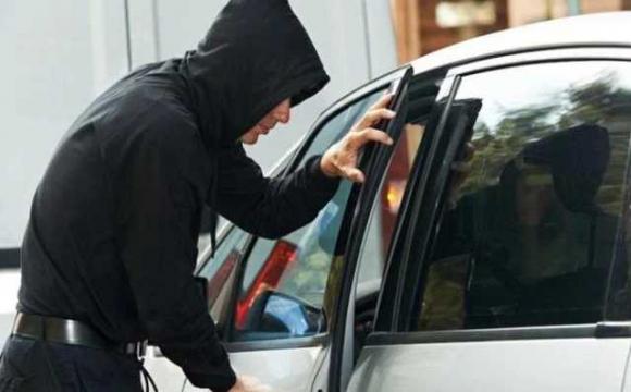 У Луцьку викрали Lexus, у місті ввели план перехоплення
