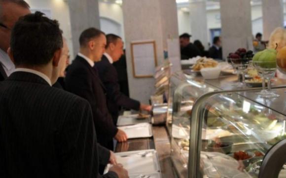 Що їдять депутати у раді: «слуга народу» показав свій обід. ФОТО