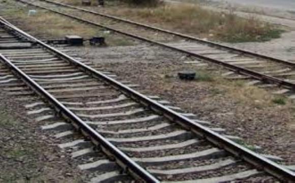 Хотіла перелізти під вагоном: на Волині потяг розчавив пенсіонерку