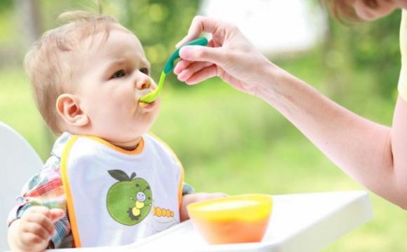 Які каші містять фрукти: 4 дитячі суміші від Nestle*