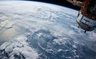 Вчені знайшли спосіб, як зібрати сміття в космосі