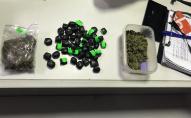 «Наркоулов» у Луцьку: 140 згортків, пакет та контейнер із наркотиками