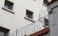Засуджений волинянин прорив отвір у стіні камери