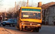 У Нововолинську маршрутка зіткнулась з автівкою