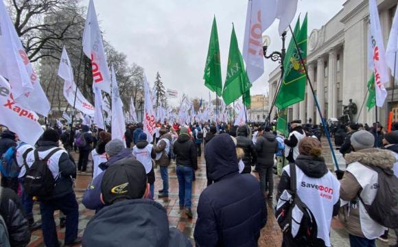 """Протести """"ФОПів"""" на Майдані: учасники повідомили, що поліція вкрала у них намет і хотіла забрати генератор"""