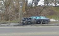 У Луцьку п'яна водійка врізалась в стовп. ФОТО