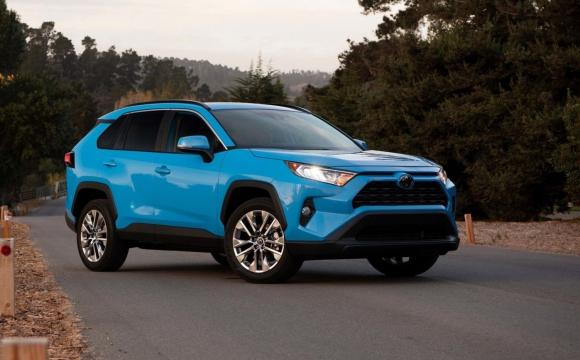Найдорожчі авто 2021-го в Україні та ТОП-5 моделей на Волині