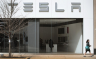 На заводі Tesla в Каліфорнії сотні робітників заразилися коронавірусом