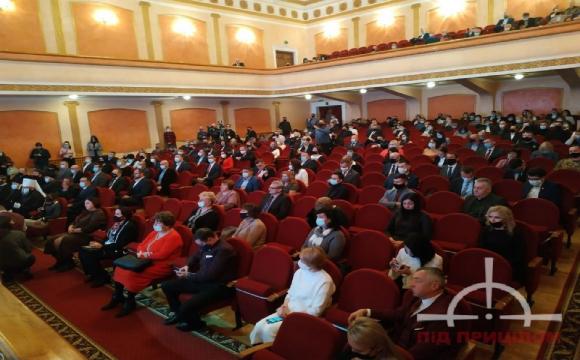 42 новообраних депутати Луцької міської ради отримали мандати