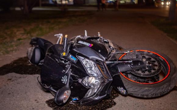 На Волині у зіткненні з авто постраждала 19-річна пасажирка мотоцикла